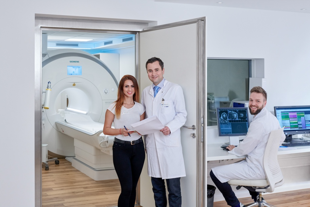München: Durch eine strahlungsfreie Herz-MRT in der Kardiologie Planegg lassen sich viele invasive und belastende Herzkatheter-Untersuchungen einsparen, sowohl zu diagnostischen als auch zu therapeutischen Zwecken.